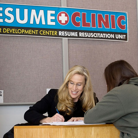 student at resume clinic